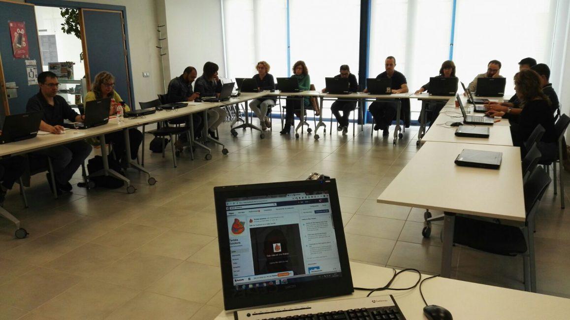 Taller de Facebook para empresas en el CEDES Morella